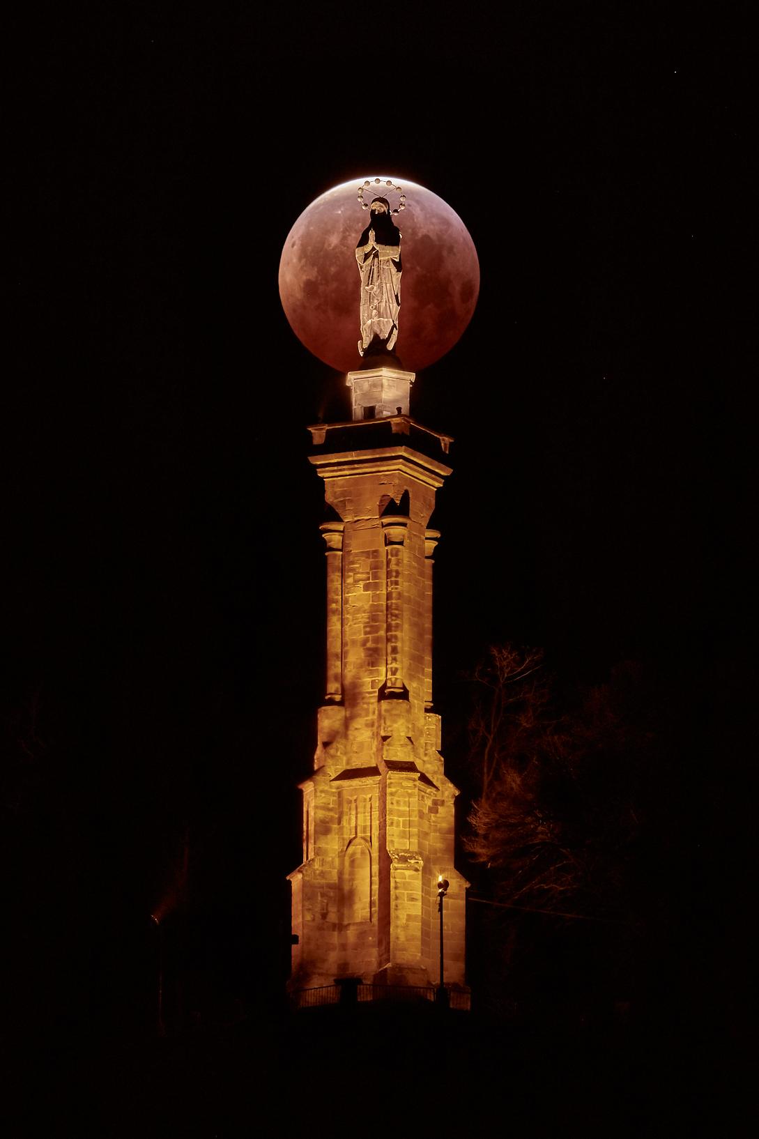 MoFi 02 Trier Mond mittig